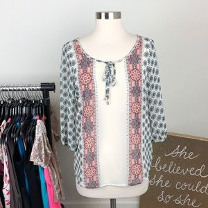 Old Navy white mosaic top